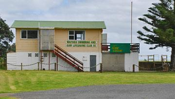 Surf LIfesaving clubhouse and access to the beach